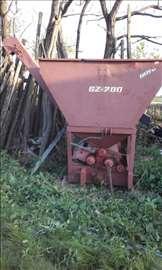 Mašina za proizvodnju sojinog griza