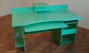 Kancelarijski radni stolovi