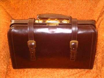 Nova doktorska torba