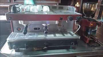 Kafe aparat i mlin za kafu