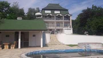 Luks kuća sa bazenom-Popovica