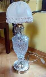 Kristalna lampa sa abazurom