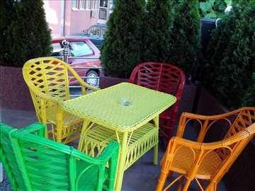 Garnitura od pruća u boji