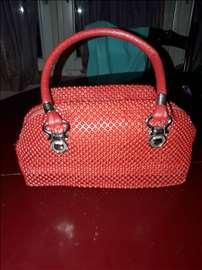 Predivna crvena torbica za maturu ili ostalo