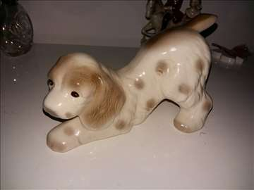 Keramička figura psa prodajem