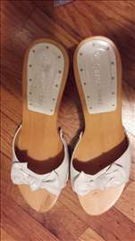 Bele papuče br. 40