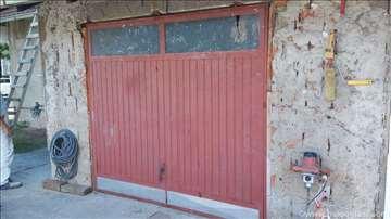 Metalna garažna vrata