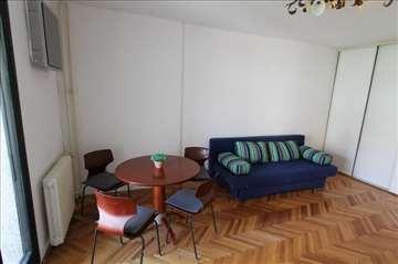 ODLIČNA PONUDA! Lep 2.0 stan sa velikom terasom!