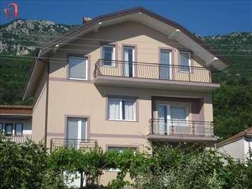 Makedonija, Ohrid-Peshtani, kuća za odmor