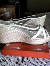 Bele papuče br. 39