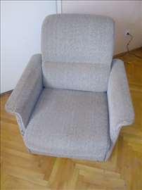 2 fotelje i kauč