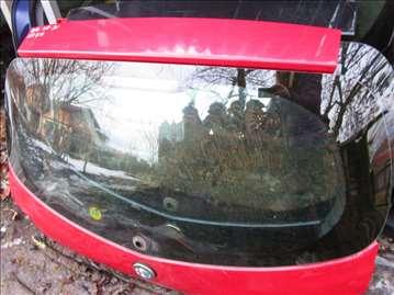 Alfa Romeo 147 gepek staklo