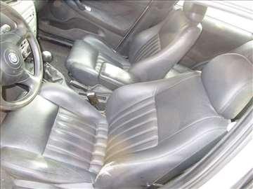 Alfa Romeo 147 kožni interijer