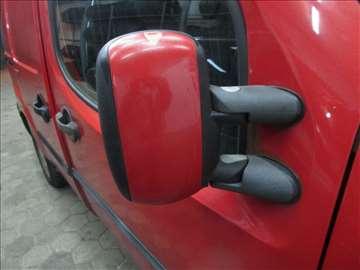 Fiat Doblo retrovizor - 20 evra po komadu