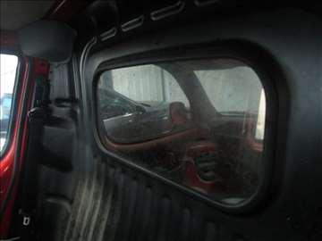 Fiat Doblo staklo u kabini