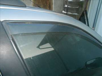 Fiat Palio vetrobran na vratima