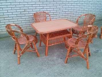 Garniture od kuvanog pruća i bukovog drveta