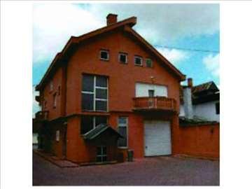 Stan u Šidu i poslovni prostor u Šidu