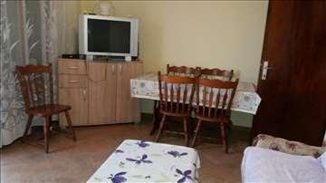Komforan apartman za 8 osoba