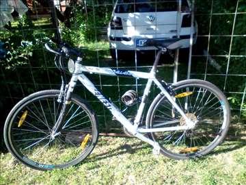 Prodajem bicikl Genesis