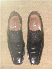 Cipele nove, dva puta nošene br. 42