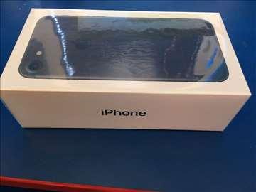 Nov iPhone 7 32GB neotvaran, sa 2 god.