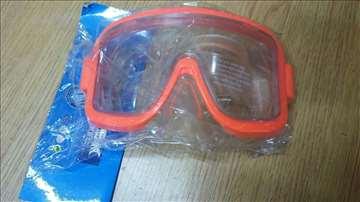 Maska za plivanje crvena