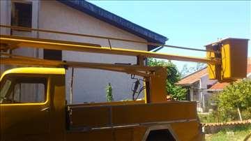 Kamionska korpa iznajmljivanje
