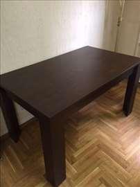 Simpov sto u odlicnom stanju!