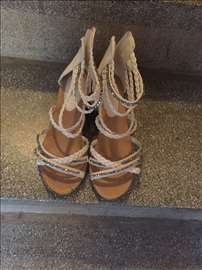 Nove sandale!
