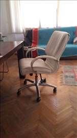 Polovna kancelarijska stolica