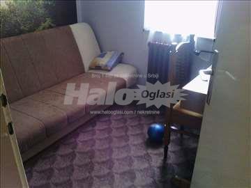 Soba za zensku osobu bez dodatnih troskova