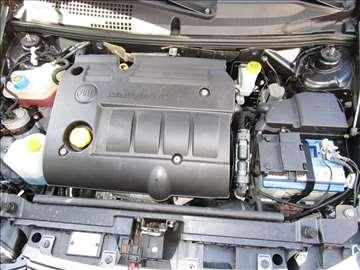 Fiat Stilo mjet poklopac motora