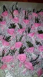 Roze cvetovi za svatove