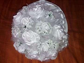 Bidermajer - bele ruže