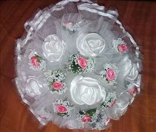 Bidermajer - roze  i bele ružice