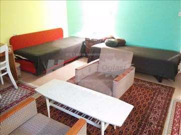 Dvokrevetna soba za devojke