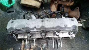 Citroen peugeot turbo Glava motora