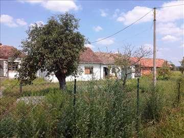 Prodajem poljoprivredno zemljište sa kućom