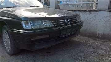 Branik Peugeot 605