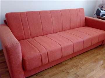 Odličan kauč na prodaju