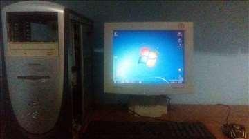 Desktop računar+monitor