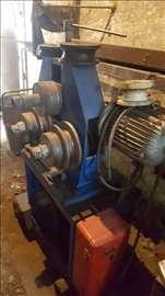 Mašina za savijanje gvožđja i auluminijuma