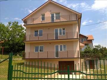 Kaluđerica, kuća,blizu Smederevskog puta