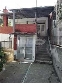 Prodajem kuću u CENTRU Vranjske banje