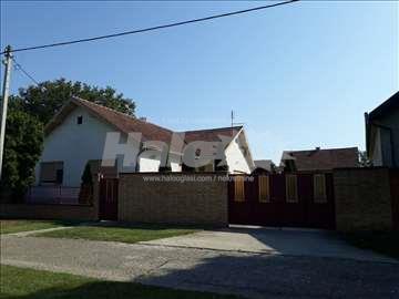 Prodajem ili menjam kuću za stan u Somboru