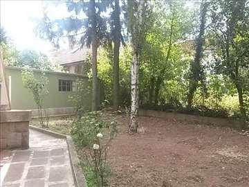 Senjak, kod Internacionalne škole, kuća, 240 m2