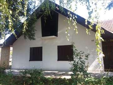 Na prodaju kuća na Fruškoj gori 70m2, plac 22 ara