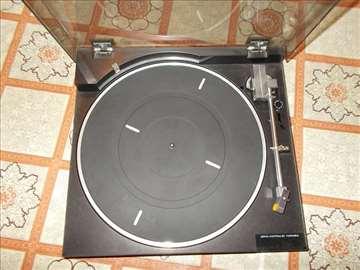 Prodajem 2 gramofona