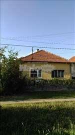 Kuca u Simanovcima,na ulasku iz pravca Beograda